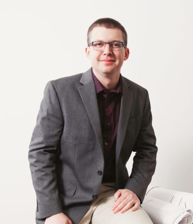 Portrait photo of Andrew Bridges