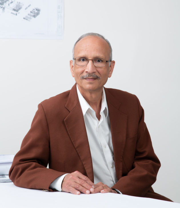 Portrait photo of Kewal Sahni