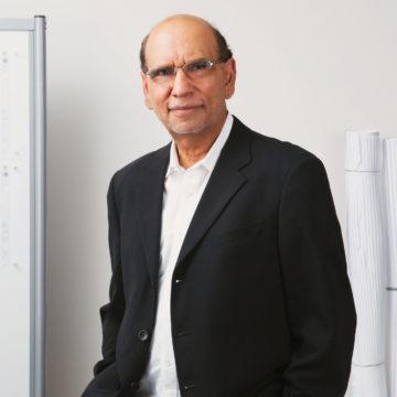 Portrait photo of Ravi Maniktala